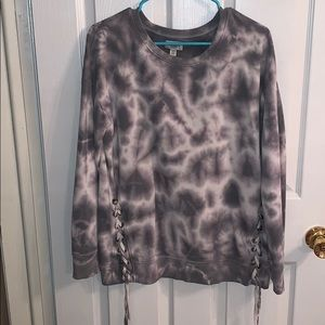 American Eagle tie-dye hoodie with bows @ bottom!